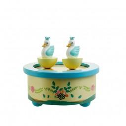 """Caja de música de madera """"cisnes"""""""