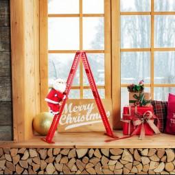Tabletop Climber - Santa