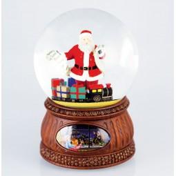 Santa mit Wunschzettel