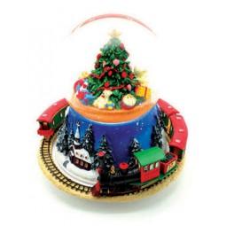 Schneekugel mit Tannenbaum und Zug